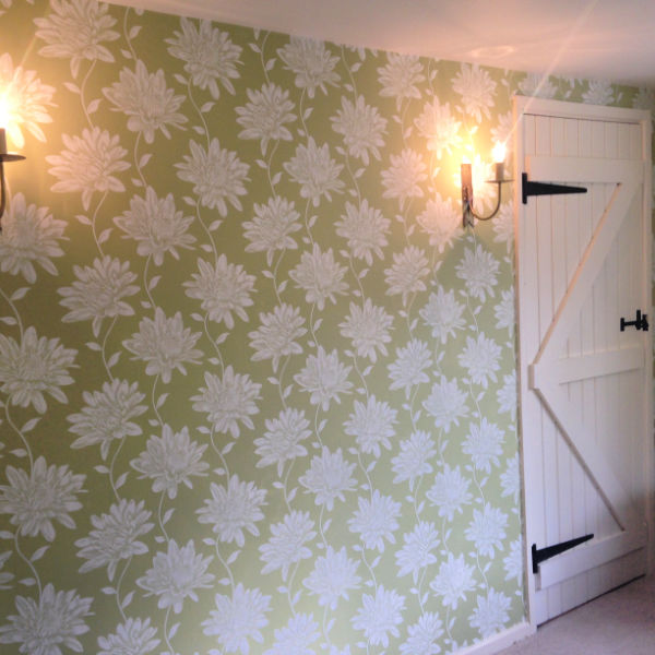 dining-room-wallpapering